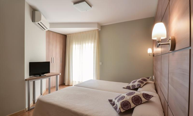 habitació doble superior elegant hotel fonda el camí cambrils