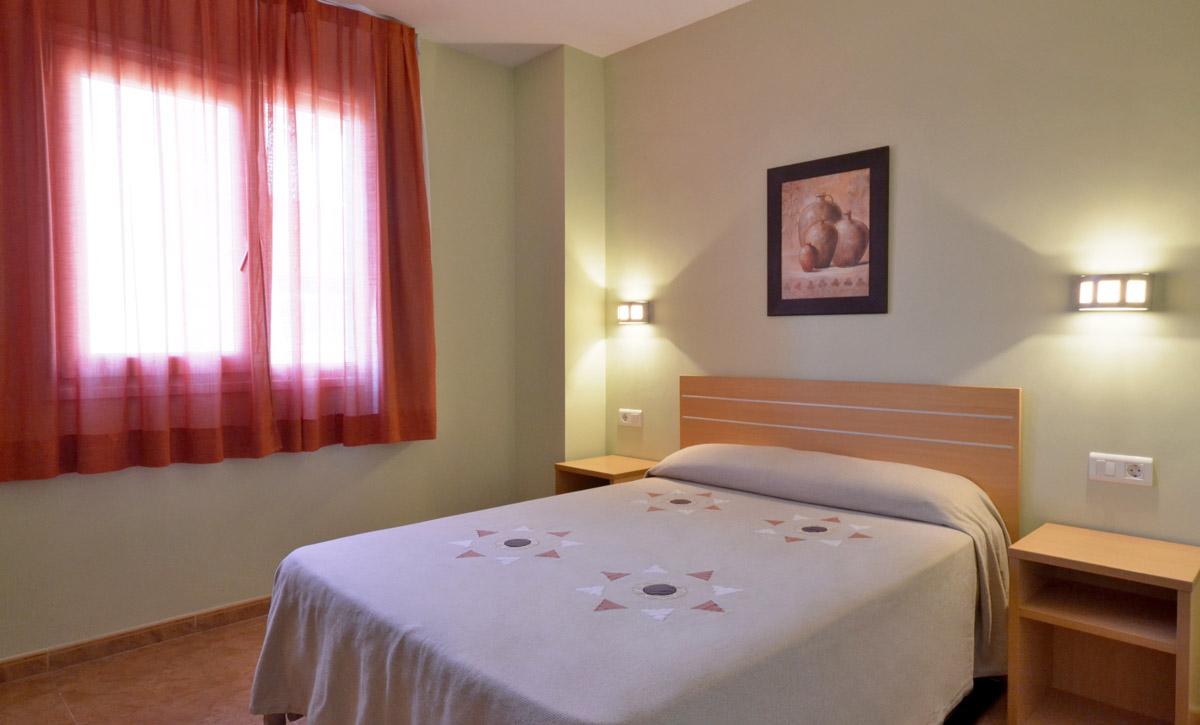 habitación doble adaptada minusválidos hotel fonda el camí