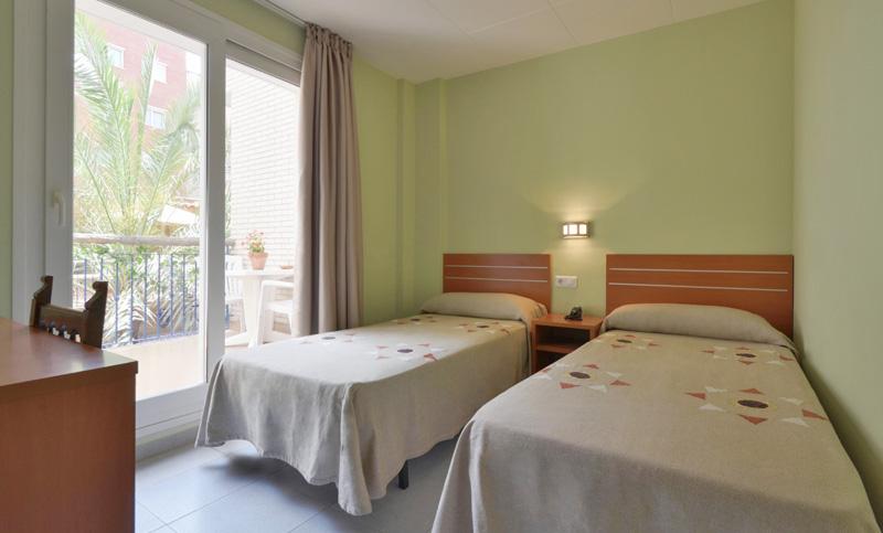 hotel fonda el camí cambrils habitación doble adaptada minusvalidos